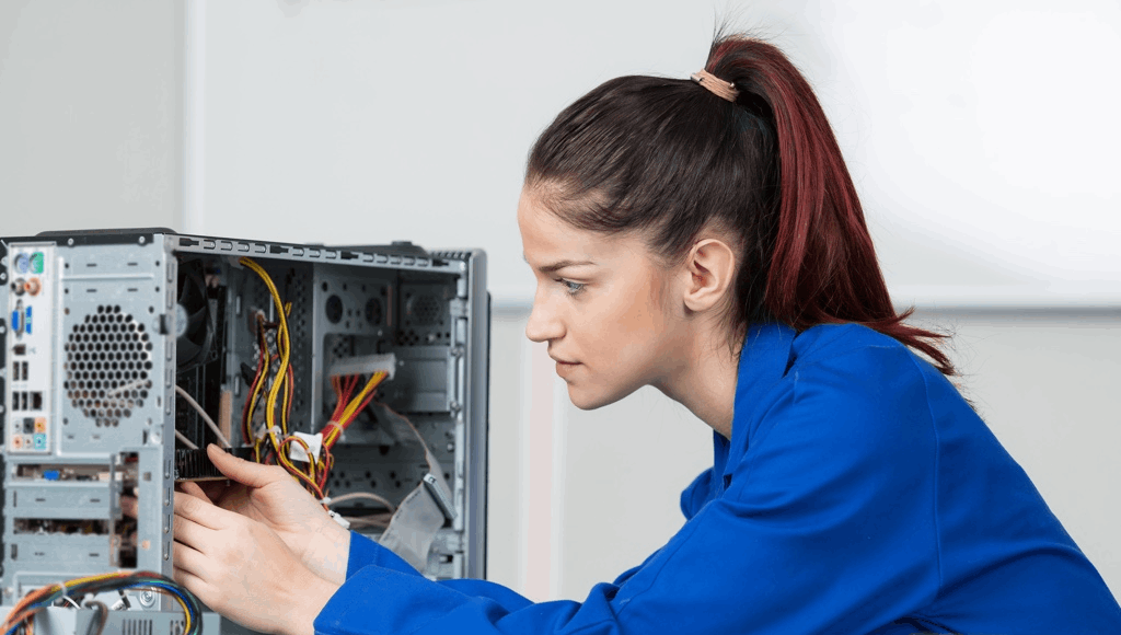 How to Find Work with a Computer Technician Degree